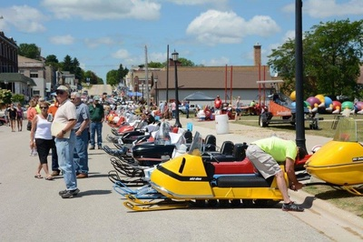 Wisconsin vintage snowmobile clubs